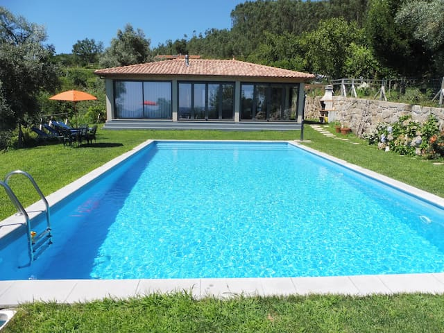 Stunning Pool House with large pool, garden, BBQ.