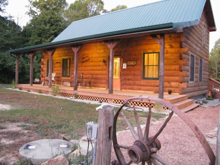 Hoot Owl Cabin-your home away from home