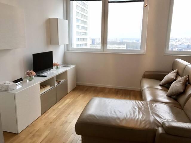 Modern new appt 50sqm 1bed fits upto 4 - Parijs - Appartement
