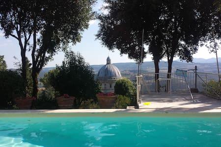 Villa con piscina a Todi, con vista Consolazione - Todi