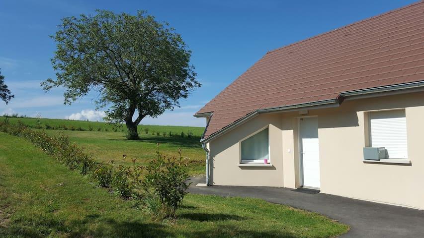 Belle maison au coeur du Jura - Buvilly - Haus
