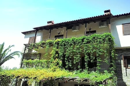 Traditional two-floor villa - Metamorfosi - 别墅