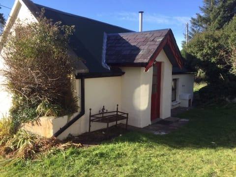 Boheeshil Cottage, Glencar, mjesto u brdima