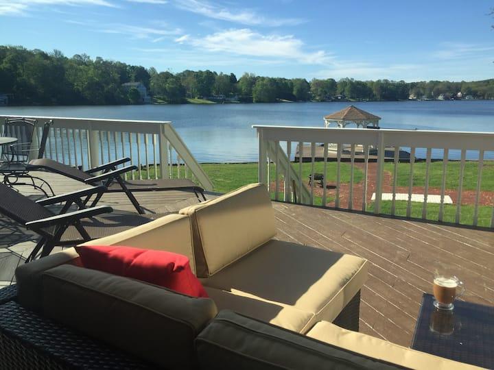 Luxury Waterfront Lake House by Ski Resort