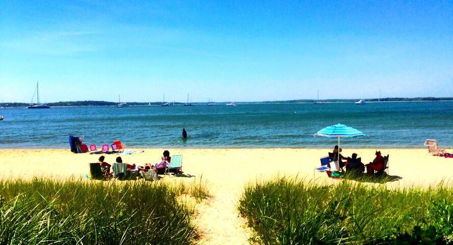 Pickonic Beach Bungalow