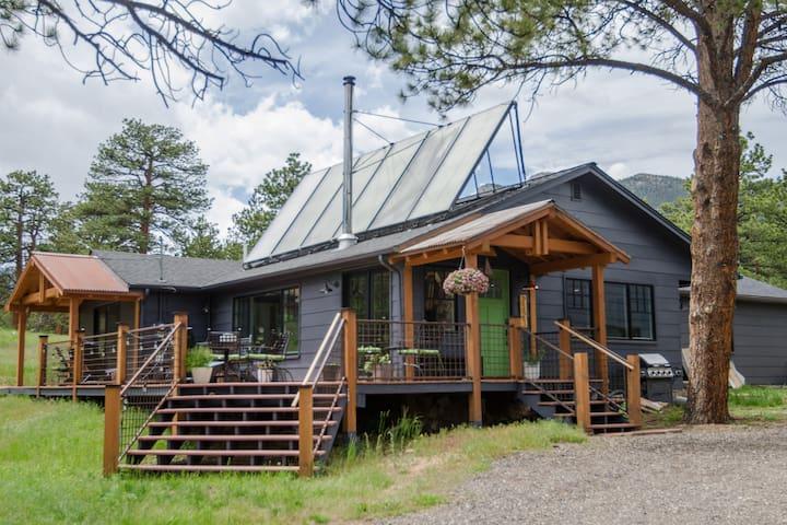 Diamond Retreat-Mtn Views, Modern Home, Wildlife