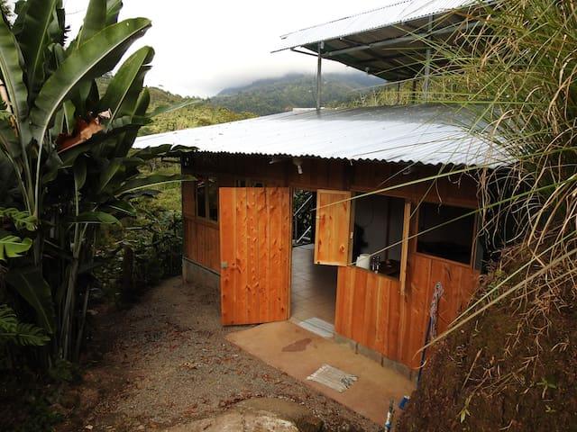Spacious Beautiful Serene Mountain Home Costa Rica