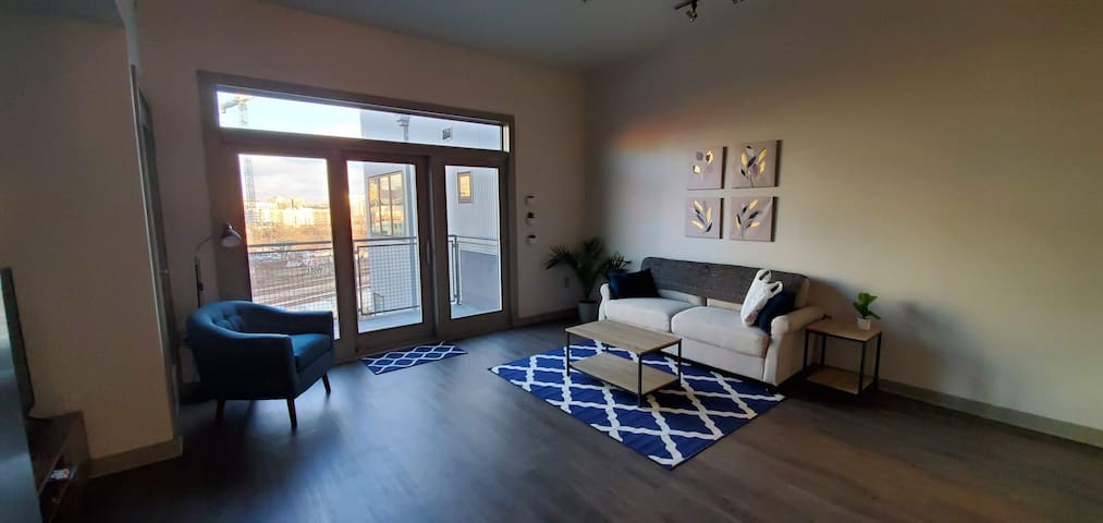 STERILIZED Spotless Studio Apartment in The Gulch!