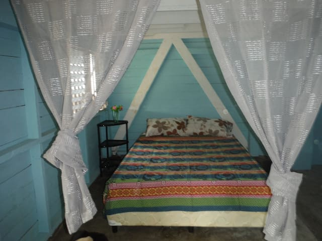 Casa Flores...Your home away from home in Panama! - Puerto Armuelles - Lejlighed