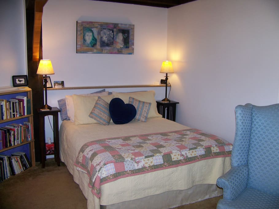 One of our rooms! All rooms have Queen bed and private bath