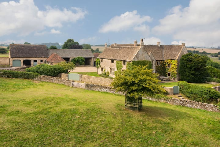 Cotswold Manor House, Near Bath  - West Kington - Huis
