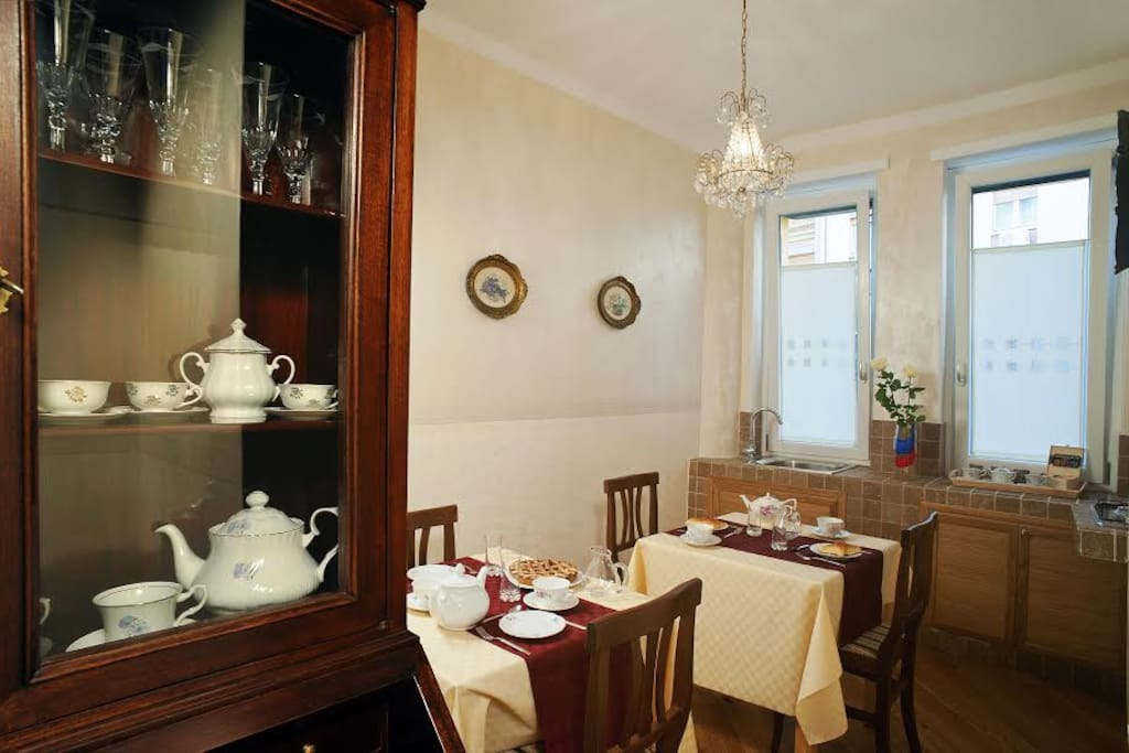 Breakfast common area