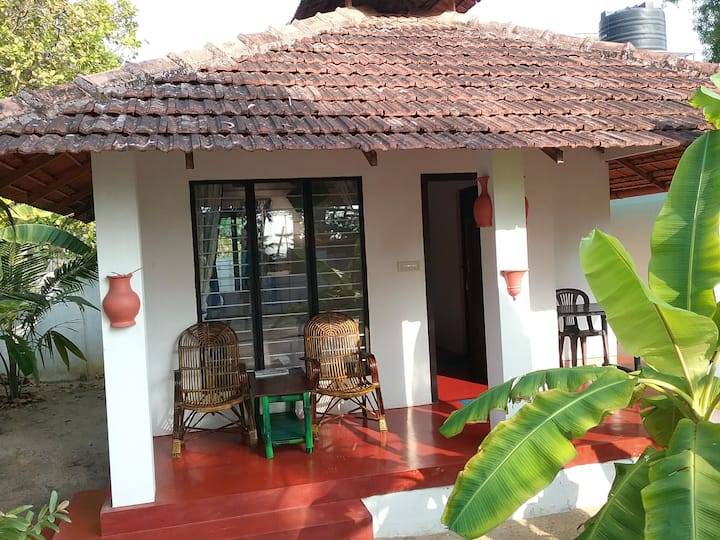 Cottage with view of Marari Beach, twin bed  a/c