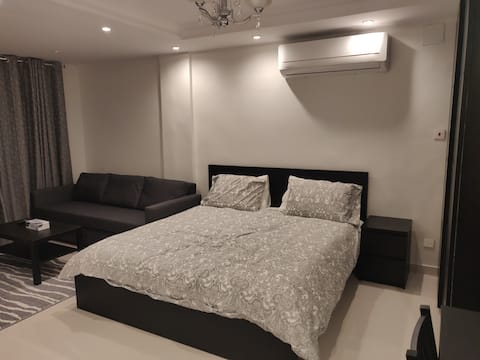 *Newly furbished* Apartment in central location