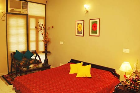 Furnished Bed and Breakfast - Nuova Delhi