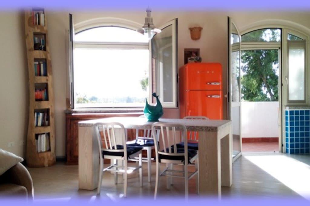 Appartamento cagliari poetto appartamenti in affitto a for Appartamento sardegna agosto