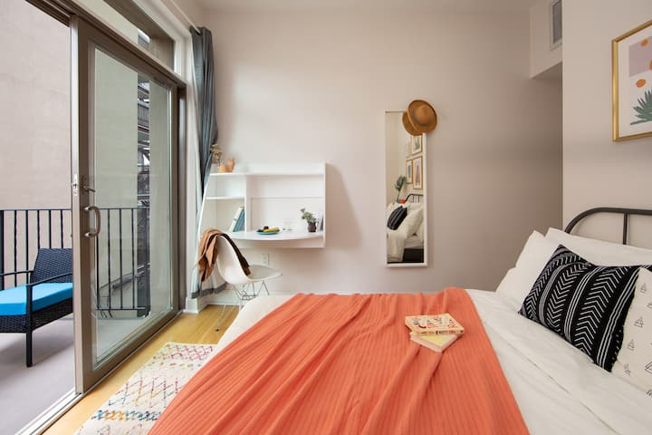 Large Beautiful Room in Prime BK! 4-3