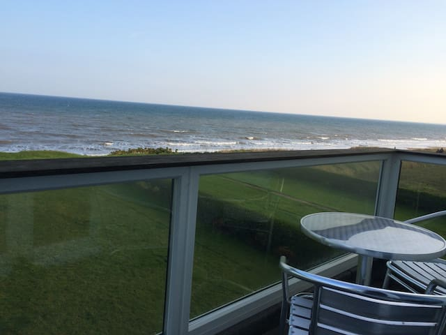 BALCONY OVERLOOKING BRIDLINGTON BAY - Bridlington - Appartement