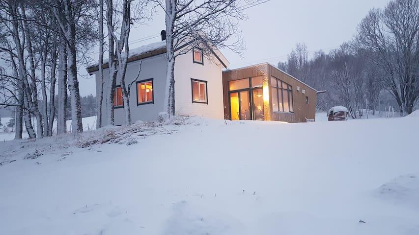 Gamtunet - idyllic cabin - spectacular location - Lyngen - Kabin