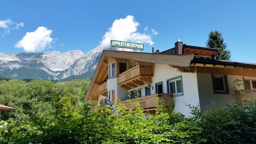 Luxuriöse Ferienwohnung für 4-7 - Scheffau am Wilden Kaiser - Huoneisto