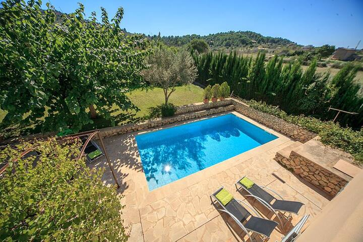 Delightful Countryside Villa BAIA in Mallorca with private pool. Up to 6 guests!