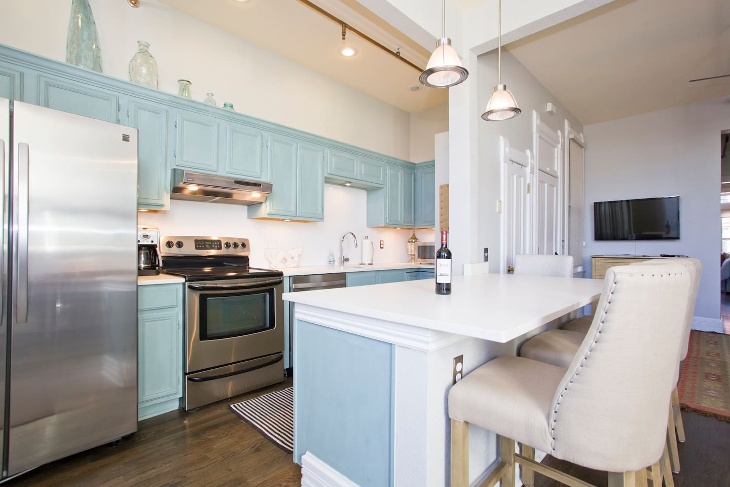 Stylish & Historic LoHi Loft w/ Views and Parking - Lofts for Rent ...