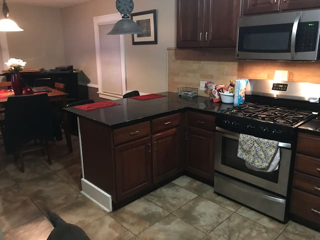 Private room for rent in Poland Ohio.