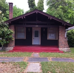 3 BR 2 Bath in Selma HIST District - Selma