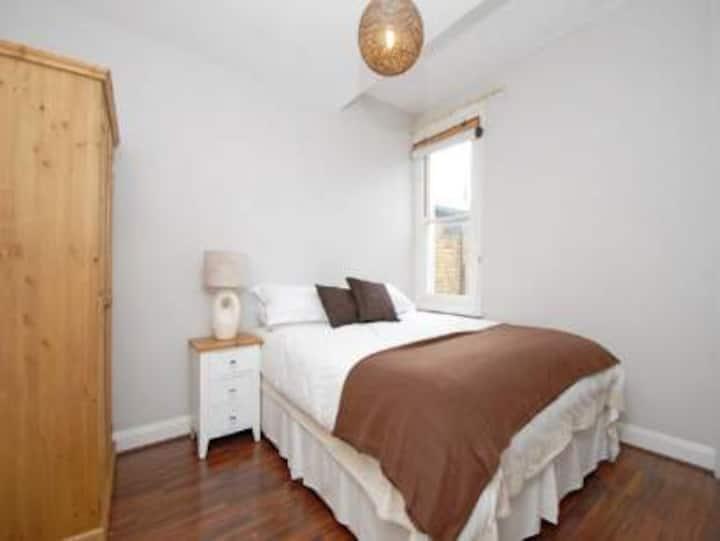 Bright dbl room - Clapham-Brixton