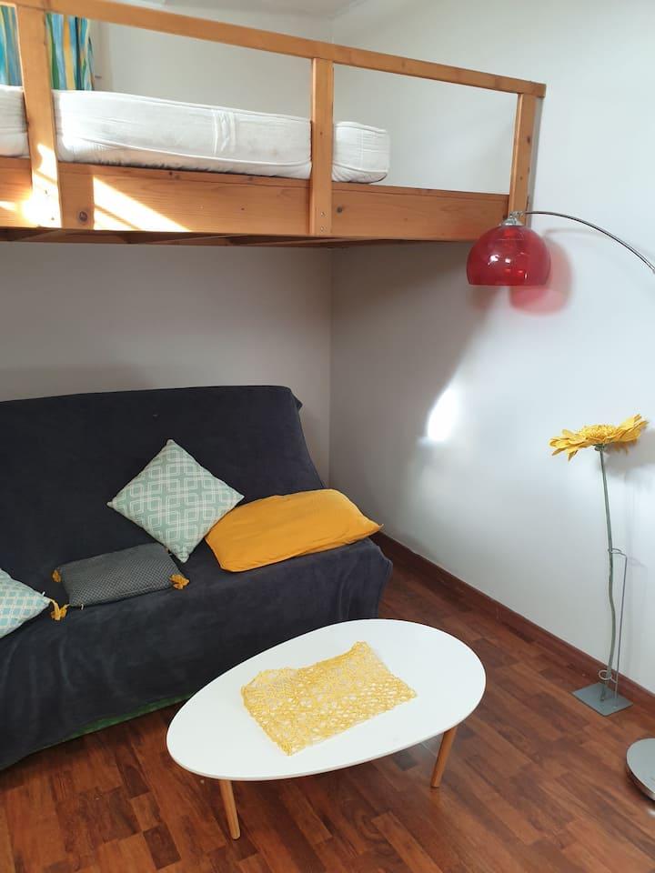 Studio indépendant proche de Lyon Pierres dorées