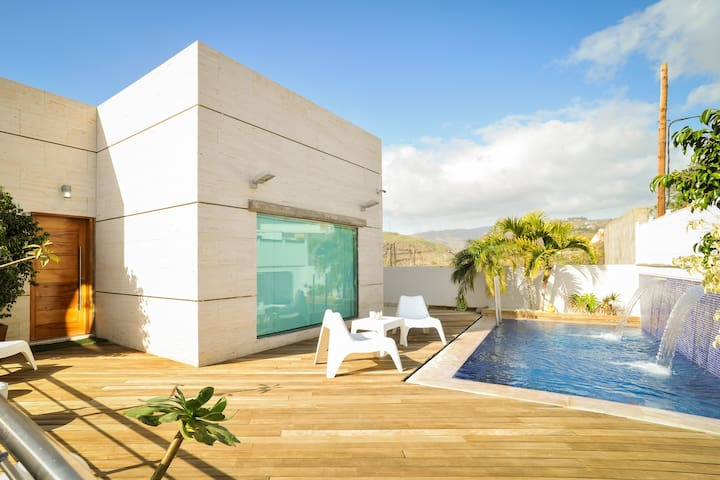 Fabulous Villa with Private Pool - Montaña de la Data Alta - 別荘