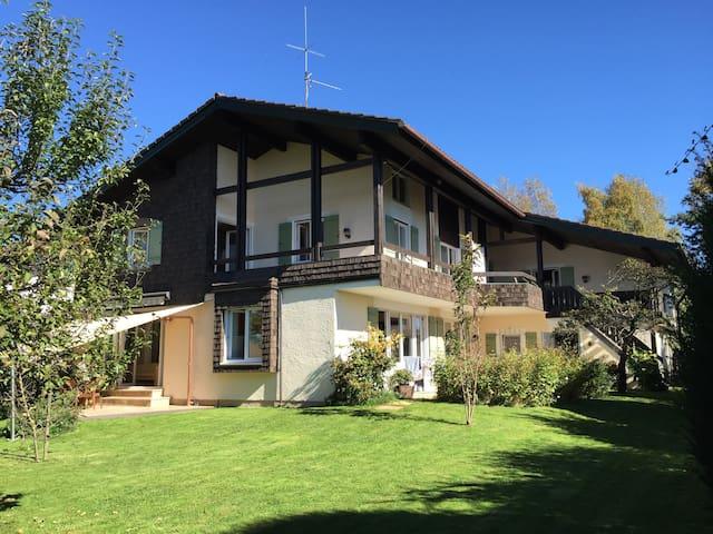 Alpen Landhaus mit Vollausstattung - Traunstein - Villa