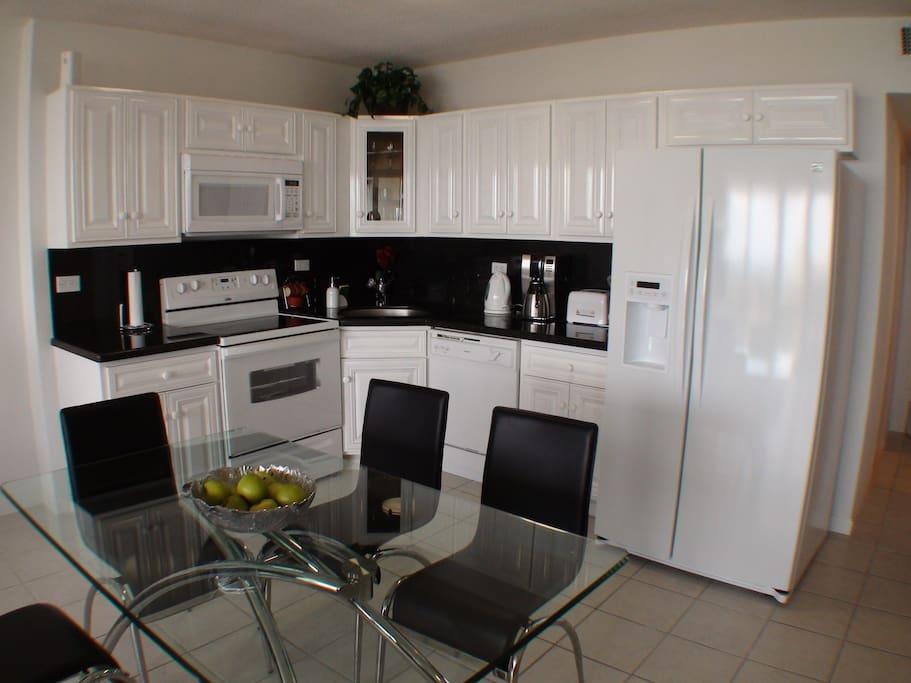 Full Kitchen