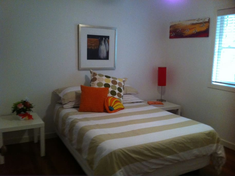 Comfy fully air conditoned  Room