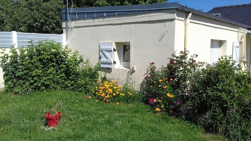 Jolie maison avec jardin entre Quimper et la côte