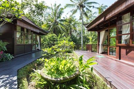 Relaxing Bali Bungalow Getaway.