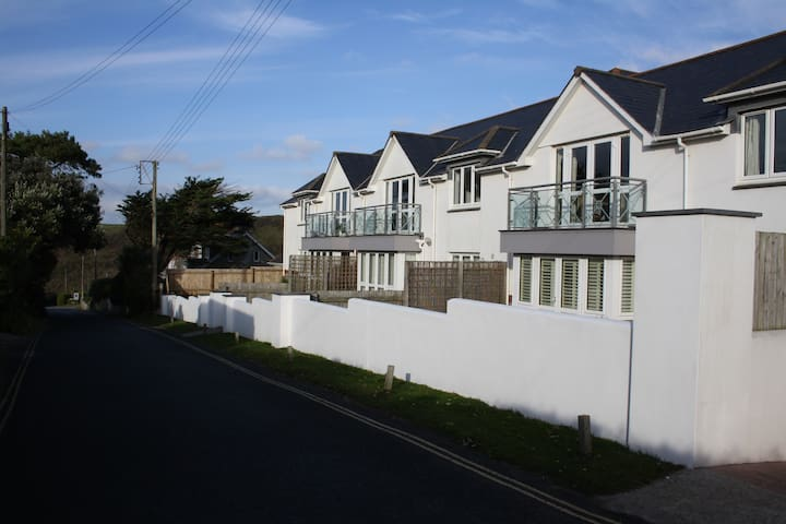 Designer Flat in New Polzeath, sleeps 4-6 - Cornwall - Flat
