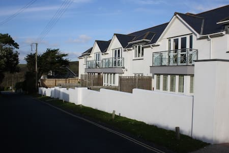 Designer Flat in New Polzeath, sleeps 4-6 - Cornwall