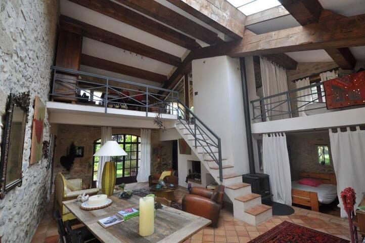 L'ATELIER, magnifique loft dans MAS provençal