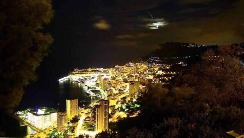 2 chambres appartement plein centre de Monaco