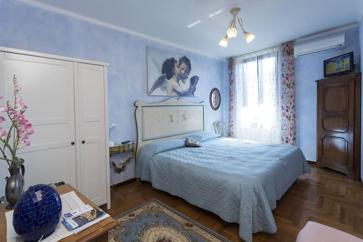 "B&B Frontelago ""Room TRAMONTANA"" Lake Como - Mandello del Lario - Bed & Breakfast"