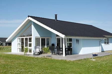 Holiday house near sea and forest - Brovst - Zomerhuis/Cottage