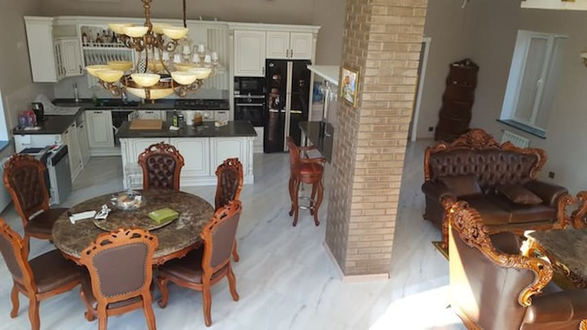 Новый дом в стиле Loft! - Nemchinovka - House