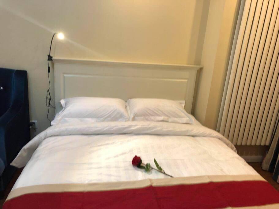 所有床品均于五星级酒店床品一致