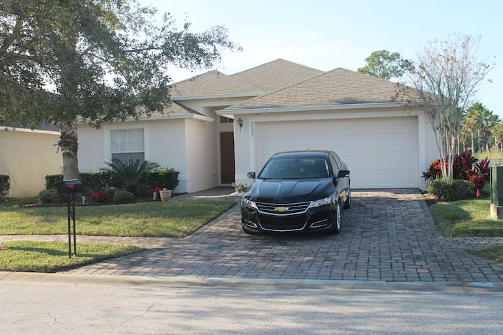 Modern,nice and easy with pool ,close to Disney - Kissimmee - Maison