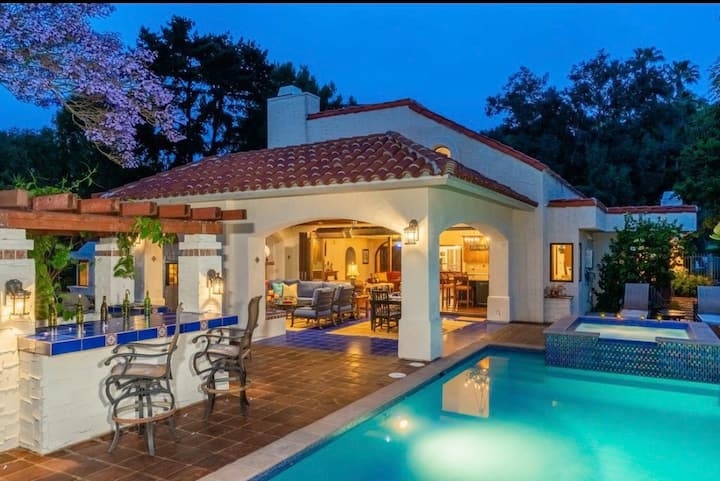 Spanish Villa with Pool near the Carlsbad Lagoon