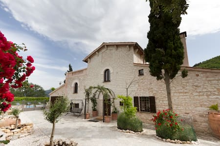 B&B La Colombaia, Grotte Frasassi - Genga - Bed & Breakfast