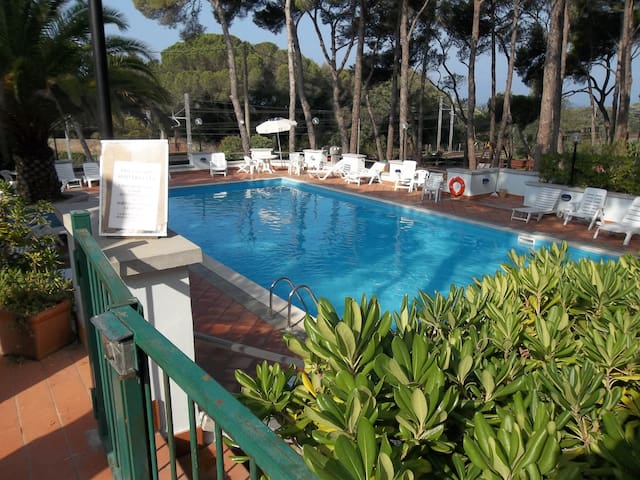 Lovely condo in pinewood by the sea - Castiglioncello - Flat