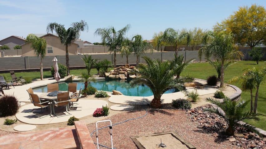 Large Beautiful Private Resort Style Yard