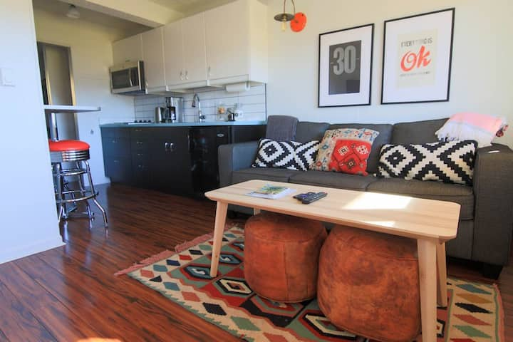 Modern, Cozy One Bedroom GEM